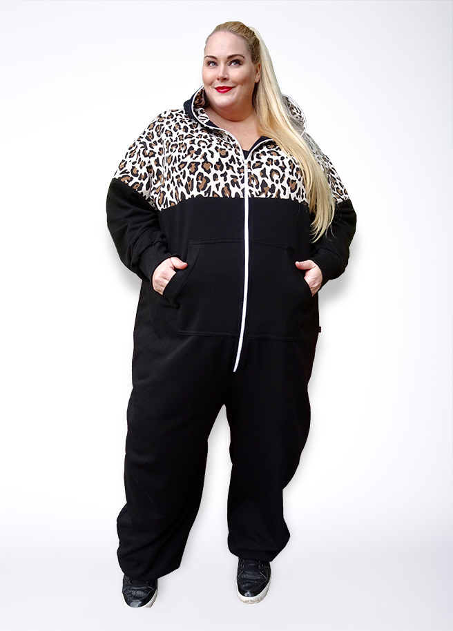 Sofa Killer Plus Size onesie leopard luipaard adults front